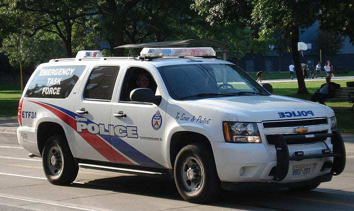 Mobile police technology in Toronto may reduce paperwork for cops