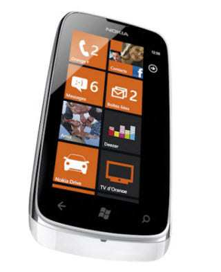 Nokia-Lumia-NFC-Phone