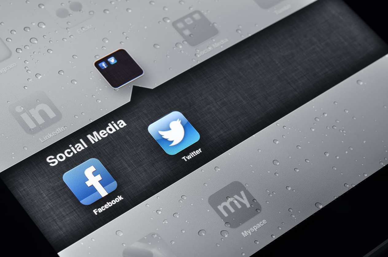 Facebook and Twitter applications mobile apps