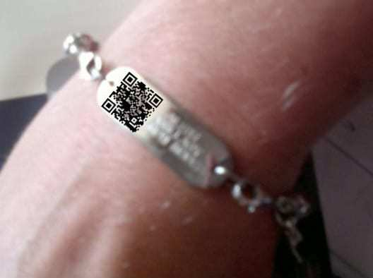 qr codes id bracelet example image emergency