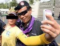 thai army selfies