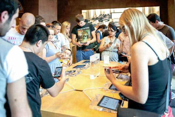 apple store mobile payments