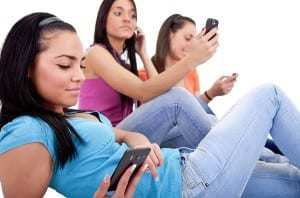 teen women mobile marketing tactics