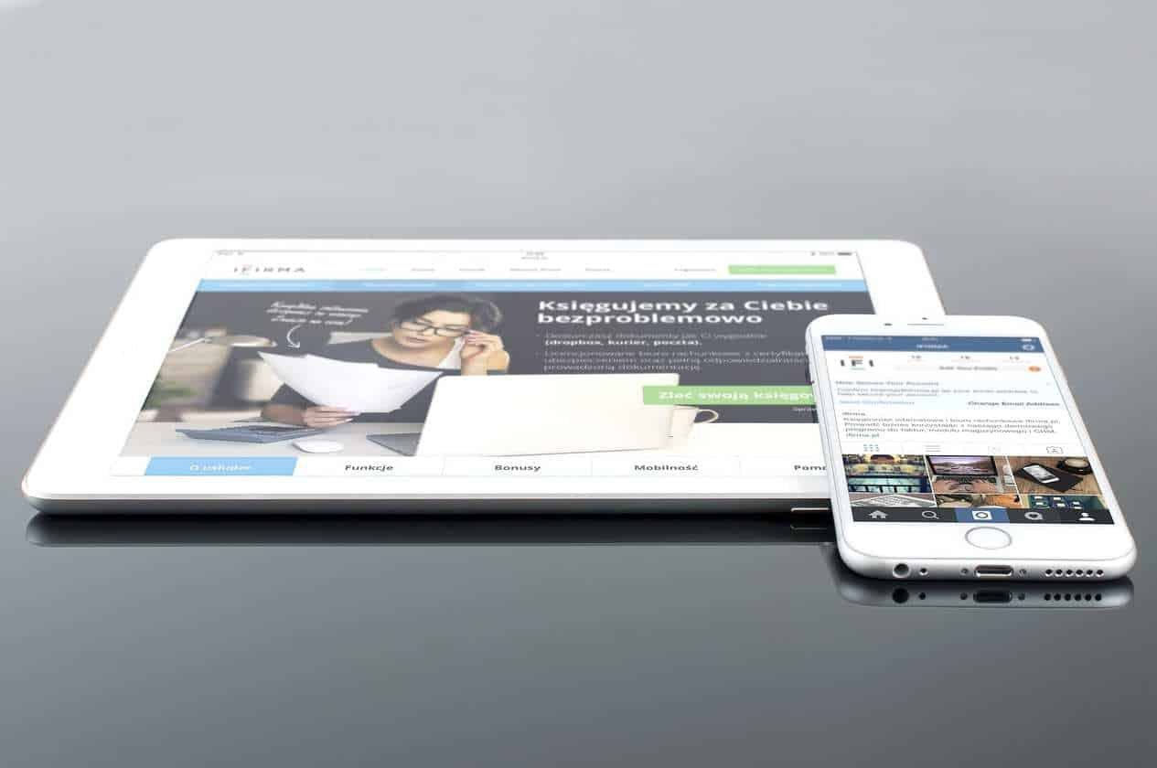 mobile advertising market Apple tablet commerce iPad