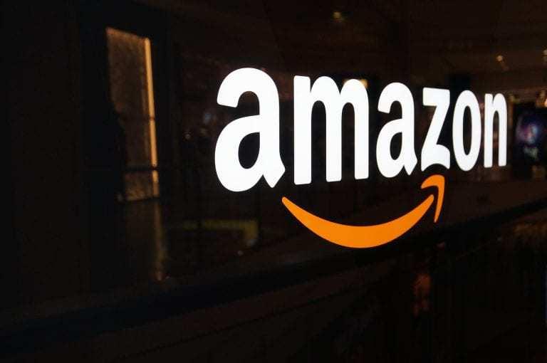 tablet market Amazon Logo