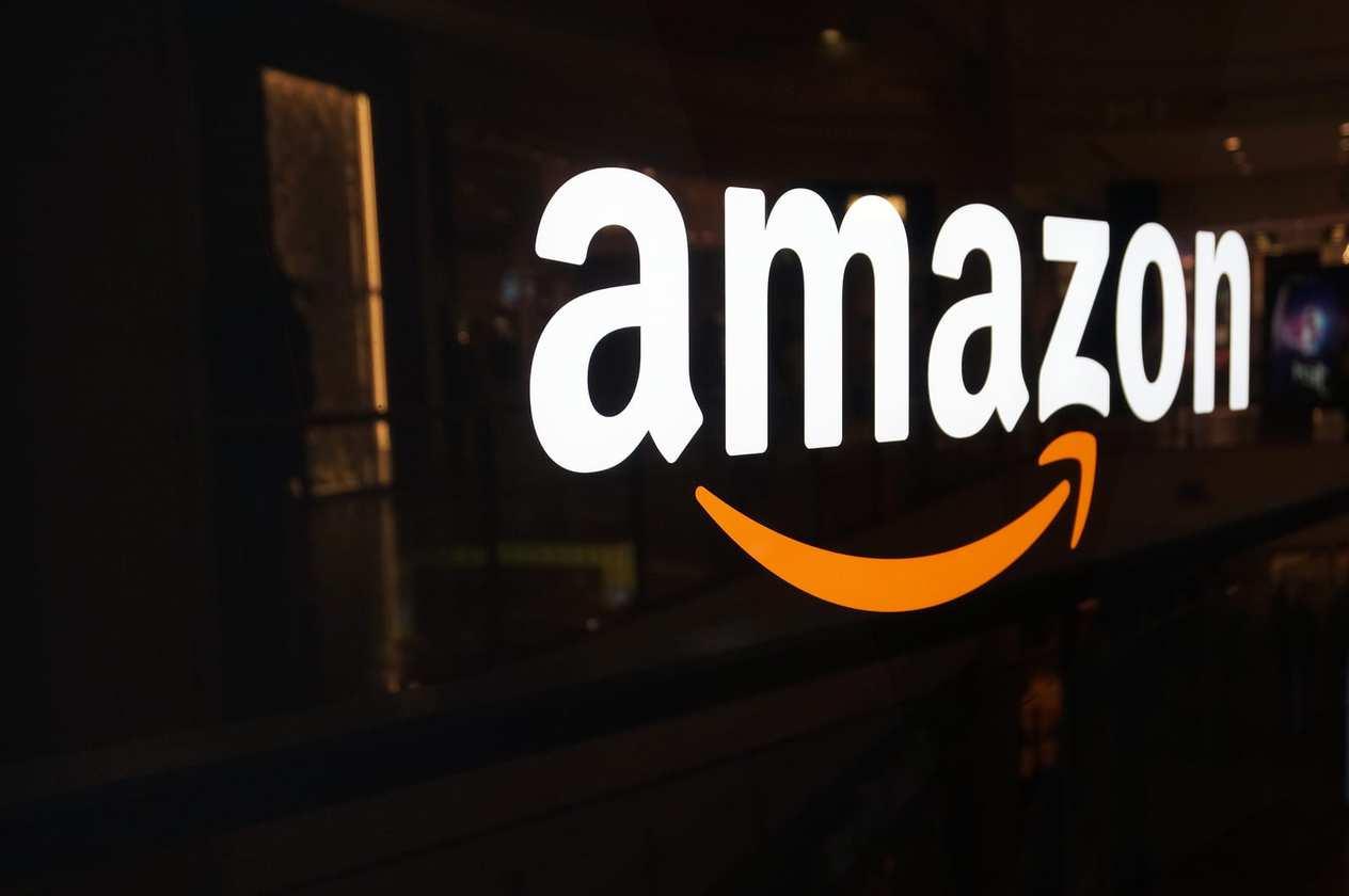 tablet market Amazon SmileCodes Logo