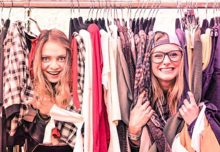 young women teens peer to peer mobile payments