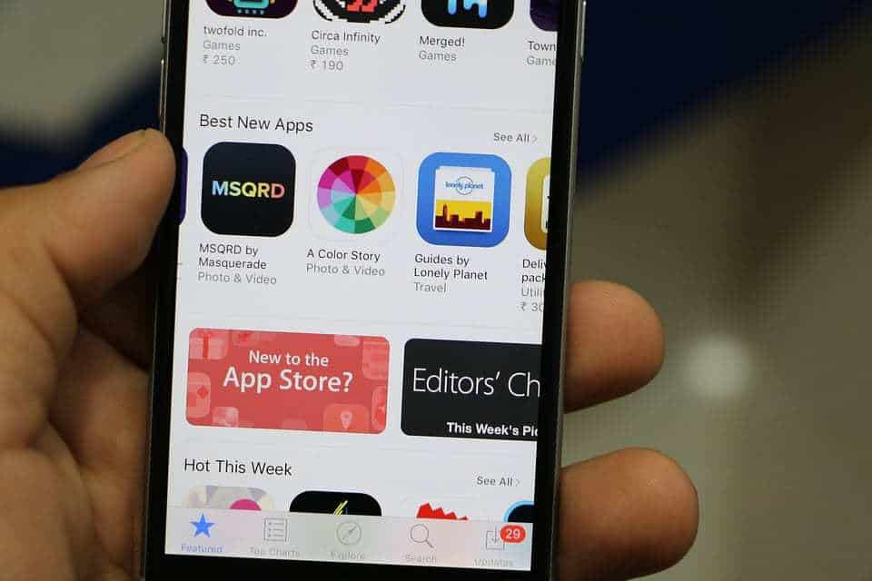 Apple App Store removes applications made in Iran due to U.S. sanctions