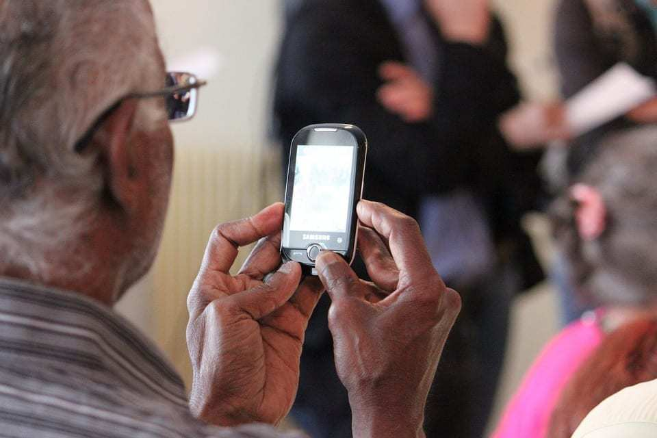 Baby boomer phone service gets a special discount from T-Mobile