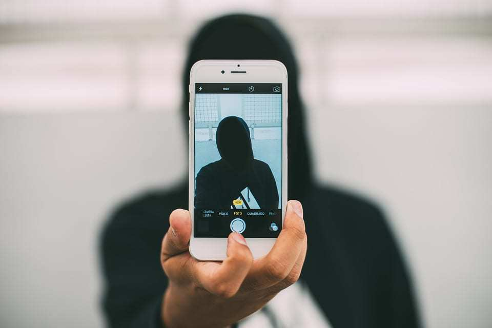 iphone facial ID selfie