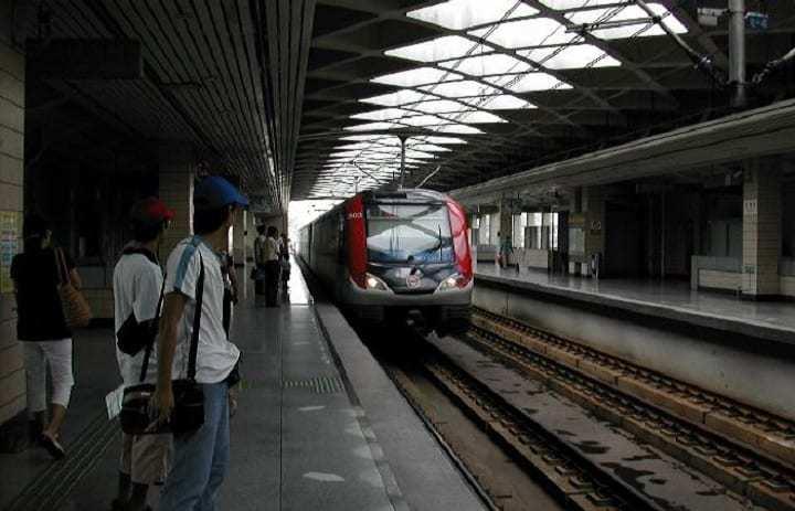 QR Code turnstiles - Shanghai Metro Station