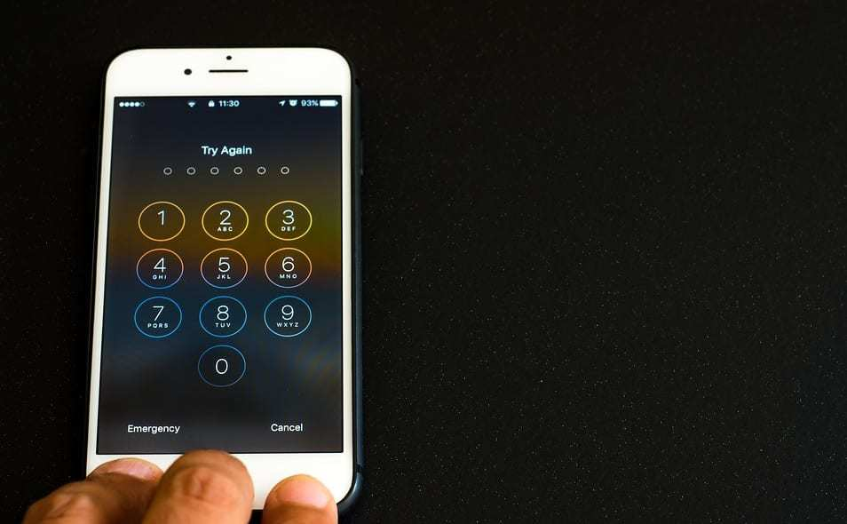 iPhone lock - iPhone passcode try again