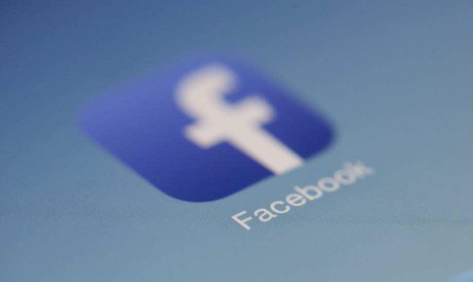 Facebook Software Bug - Social Media - Facebook logo
