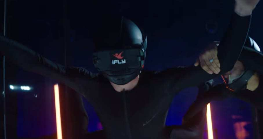 Virutal Reality Technoloyg - iFLY Indoor VR Skydiving