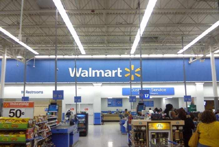 Walmart VR Shopping - Walmart store interior