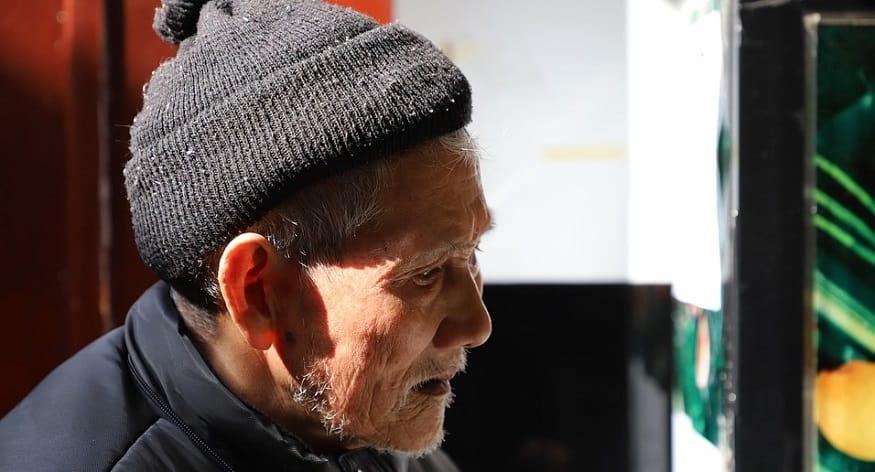 QR code tracking - elderly man