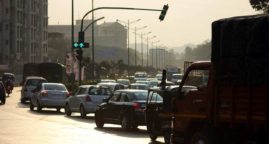 Smart driving licenses - Traffic in Mumbai