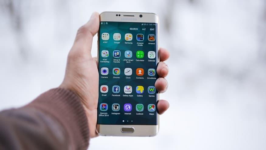 Mobile app downloads - smartphone - mobile apps