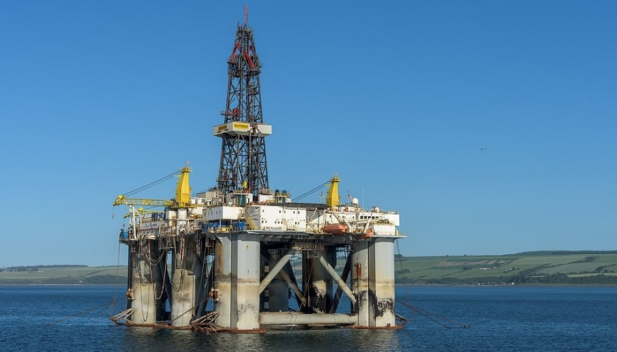 wearable gadgets - oil rig