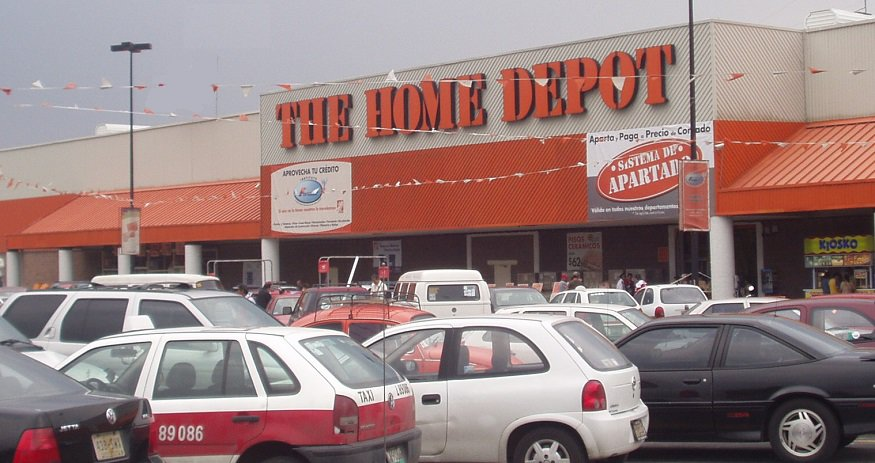 Interconnected multi-channel retailer - Home Depot Store
