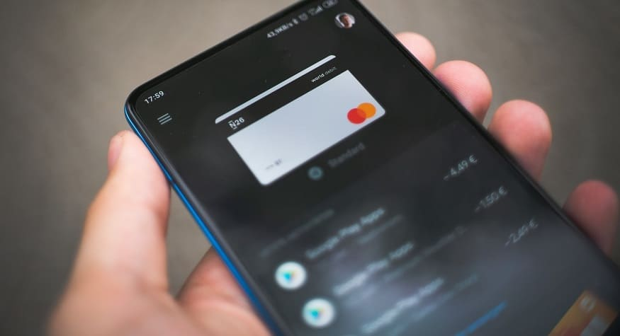 Mobile shopping payment - paying via smartphone