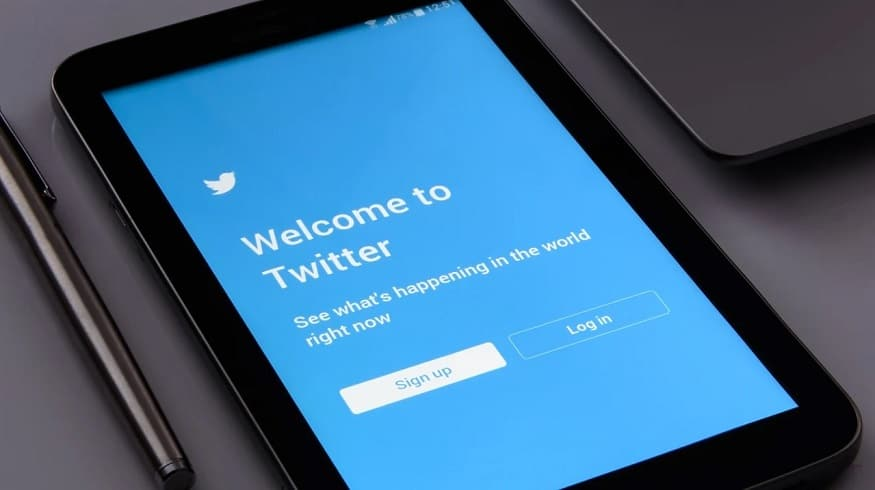Twitter subscription - Twitter sign up on tablet