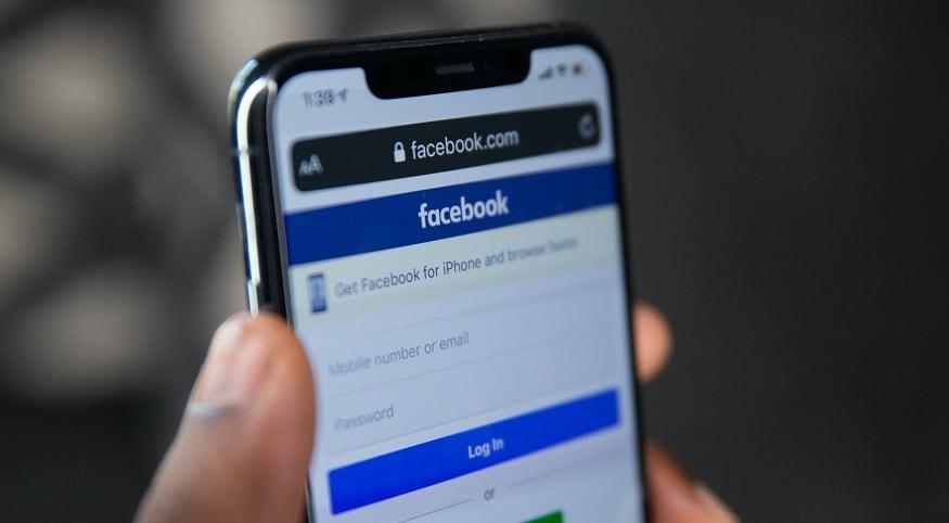 iPhone 12 - Facebook login screen on iPhone