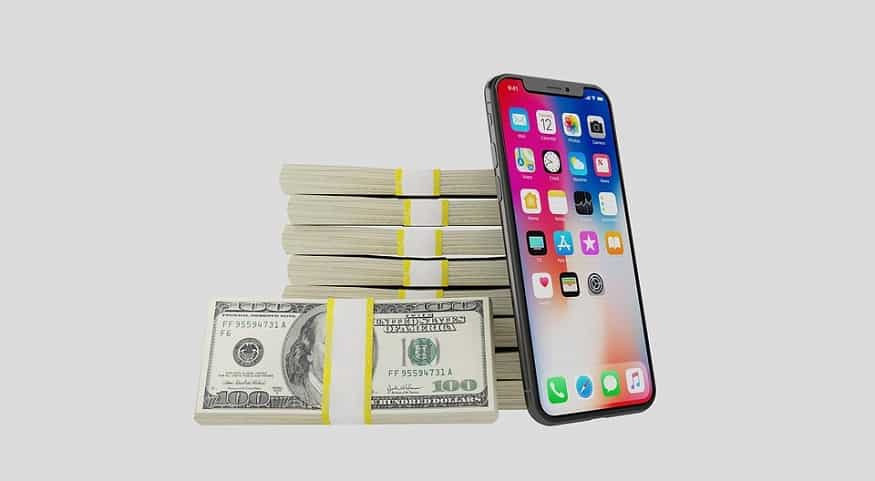 Mobile Shopping in 2020 - iPhone with US dollar bills