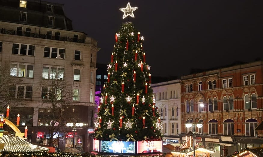 QR code Tour - Christmas Tree in City