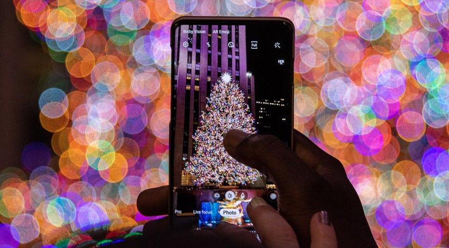 Rockefeller Center Christmas Tree - mobile phone - photo