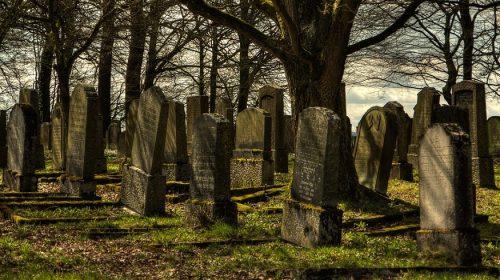QR code gravestones - Image of Cemetery