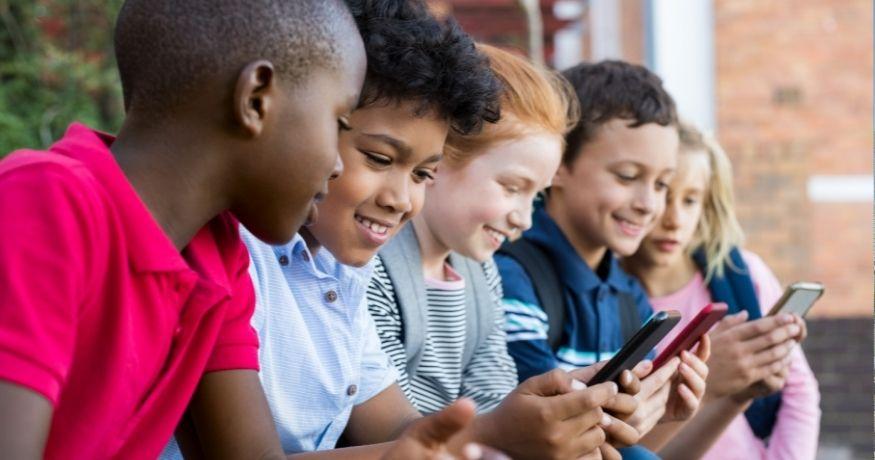 Instagram for Kids - Children using mobile phones
