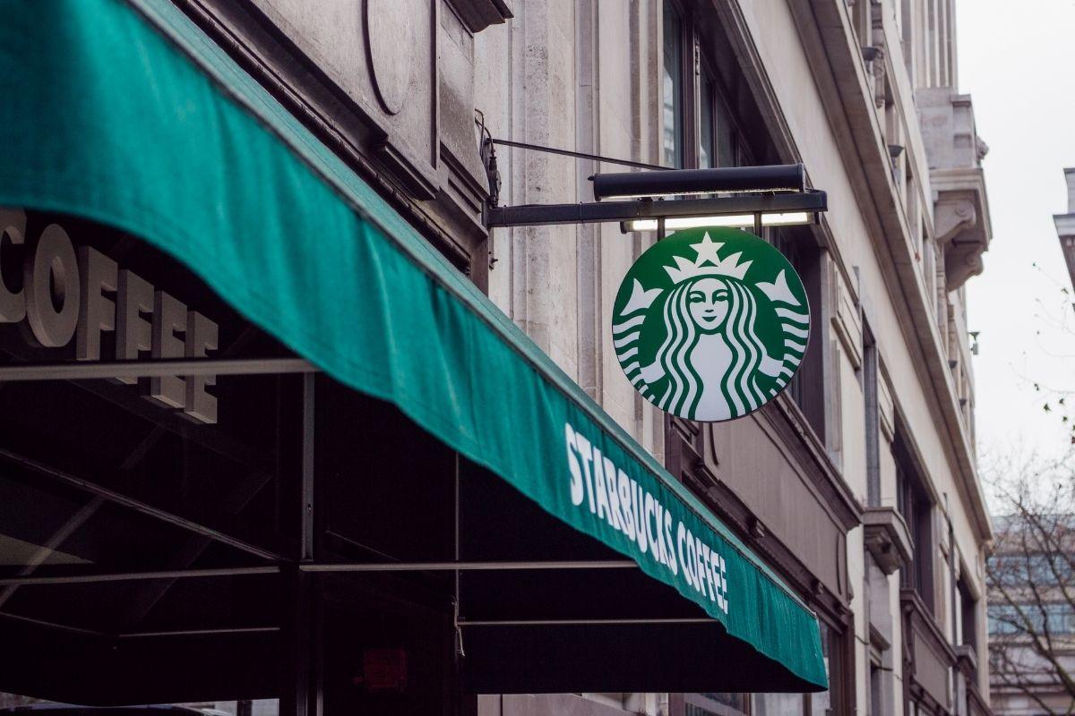 Mobile payment app - Starbucks Store