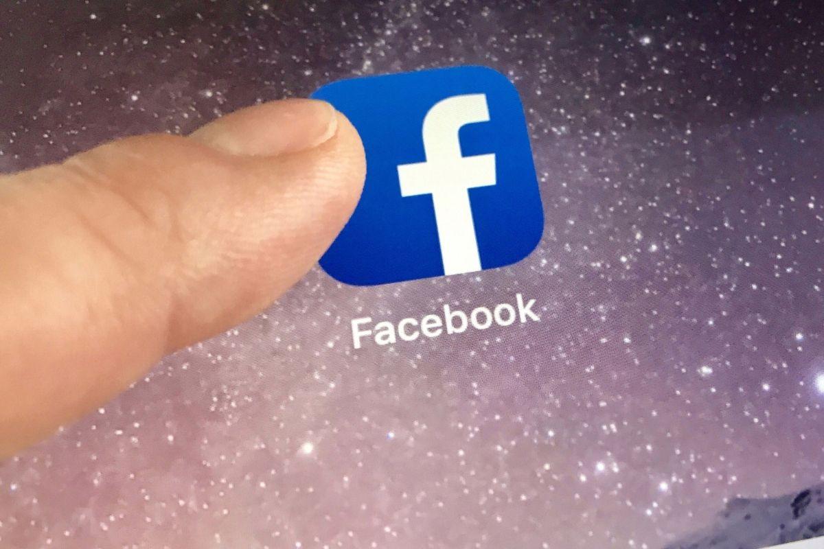 Virtual reality remote work - Facebook app