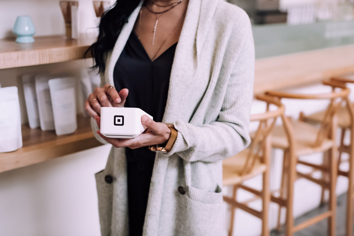 Mobile wallet - Square payments device